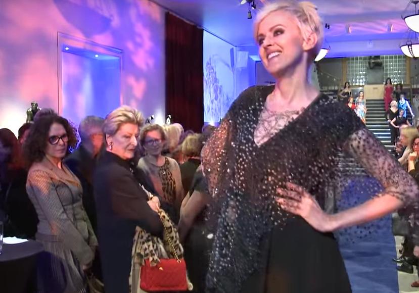 Geneviève Borne at Bijoux=Art fashion show in 2014.