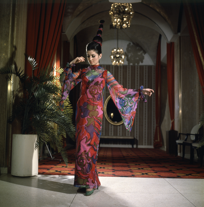 Evening dress Michel Robichaud Published in Week-end Magazine 1967 Bert Beaver © Government of Canada. Reproduced with the permission of Library and Archives Canada (2016).